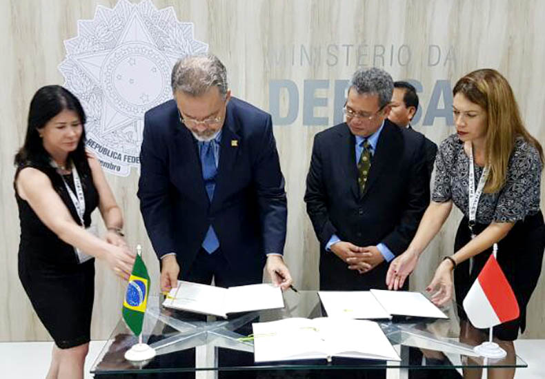 menhan brazil-dirjen pothan tandatangani mou pertahanan 6 april 2017