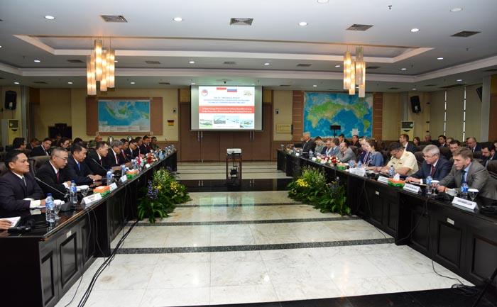 111017 RI-Rusia Meeting3