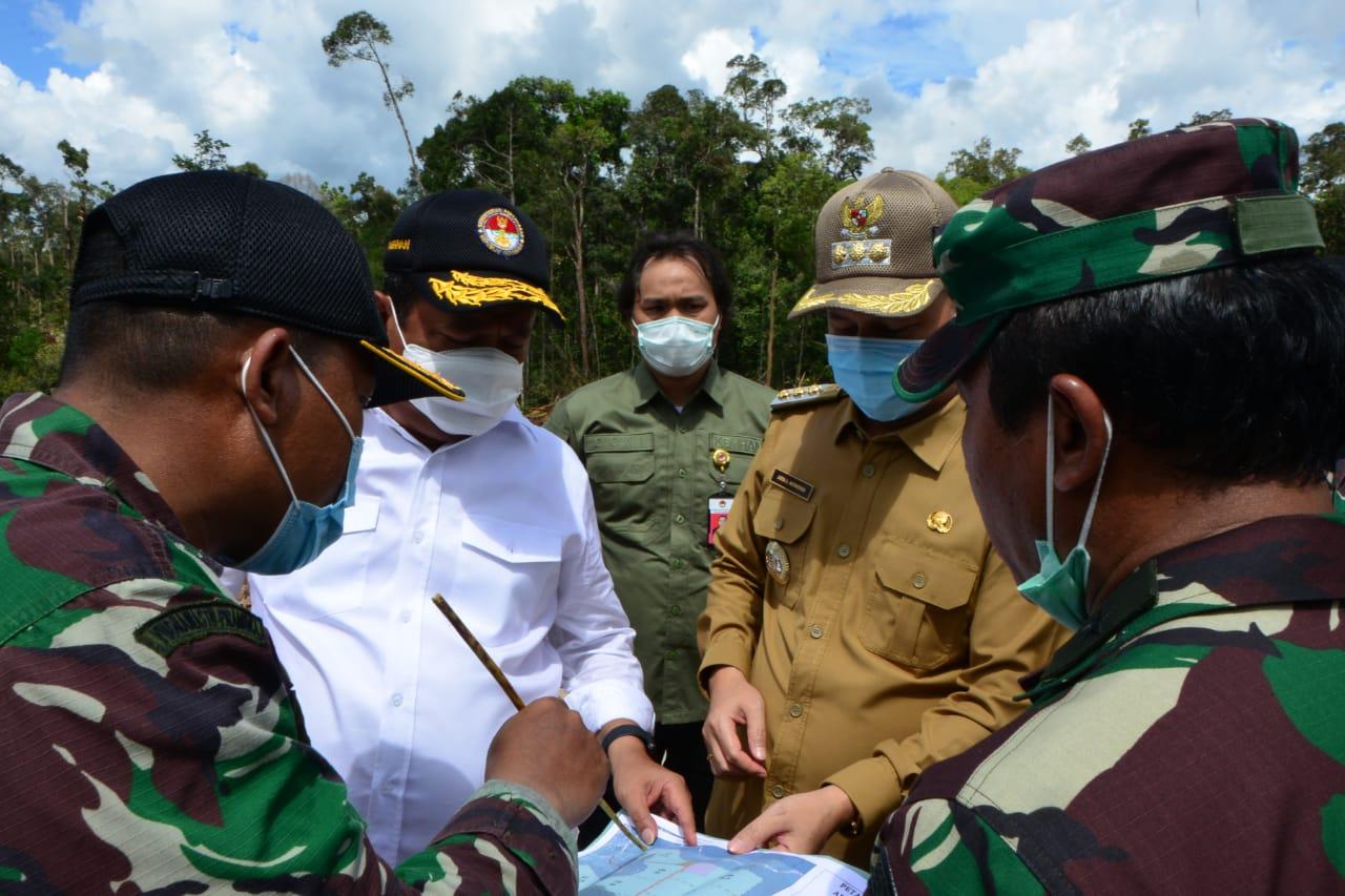 Wamenhan Tinjau Pembukaan Lahan Kebon Singkong Untuk Cadangan Pangan Strategis di Kalteng